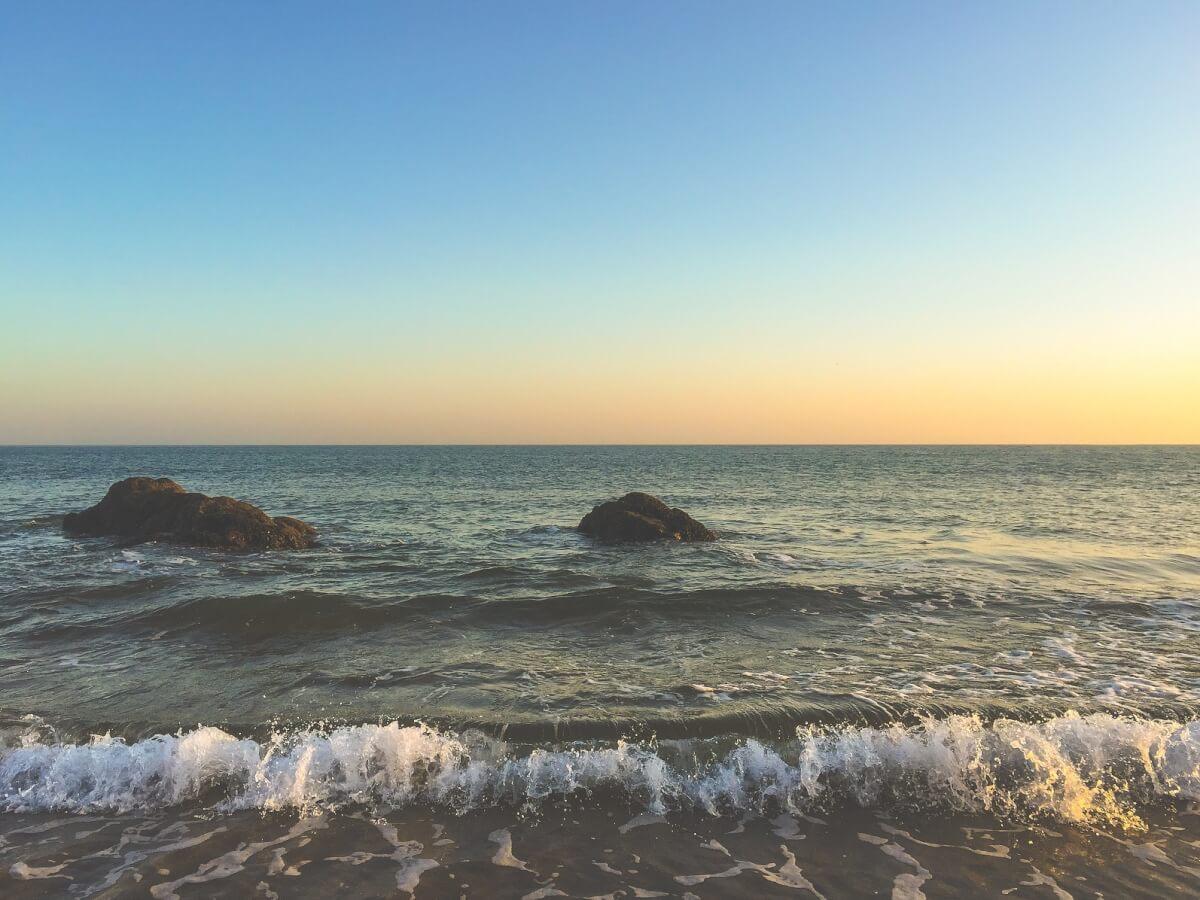 החופים מתייבשים
