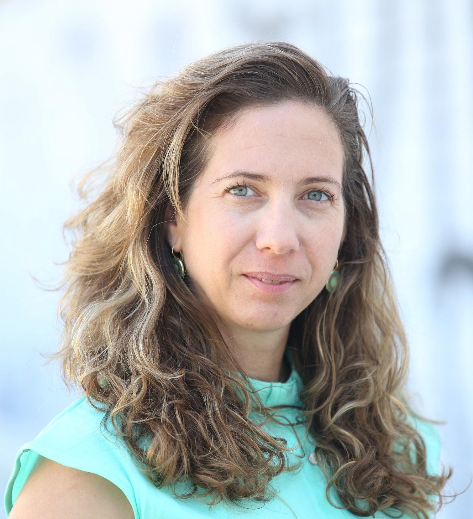 Dr. Neta Lipman