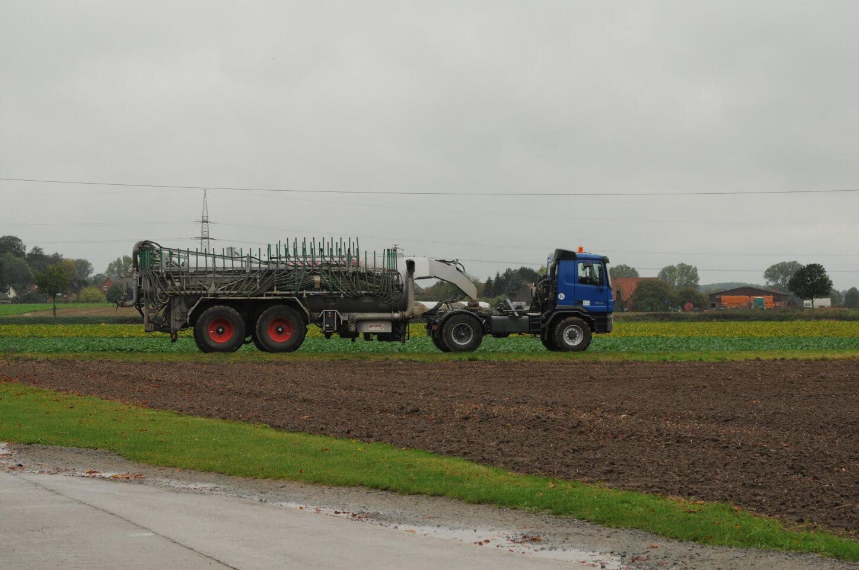 בשנים האחרונות משתמשים יותר ויותר חקלאים בבוצות שפכים לדישון גידולים חקלאיים. צילום: SuSanA Secretariat, flickr