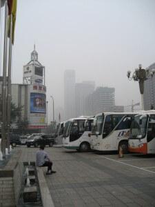 בייג'ינג היא עיר הסובלת מזיהום אוויר חמור כל ימות השנה. צילום: rogoyski, flickr