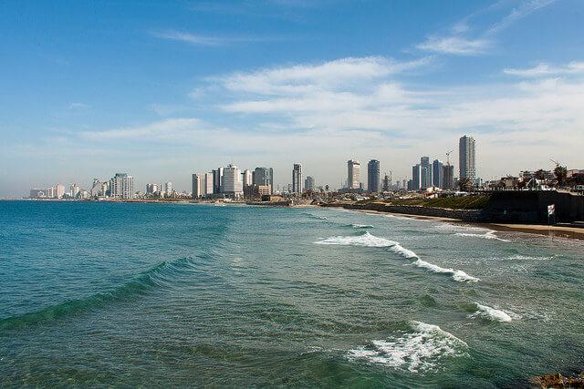 קו החוף של תל אביב. תושפע מעליית פני הים. צילום: Philippe-Alexandre Pierre, Flickr