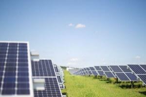 לפי האתר החדש אפשר יהיה לחסוך 24,000 שקל לאדם בכל שנה על הוצאות אנרגיה. צילום: Windwärts Energie,Flickr