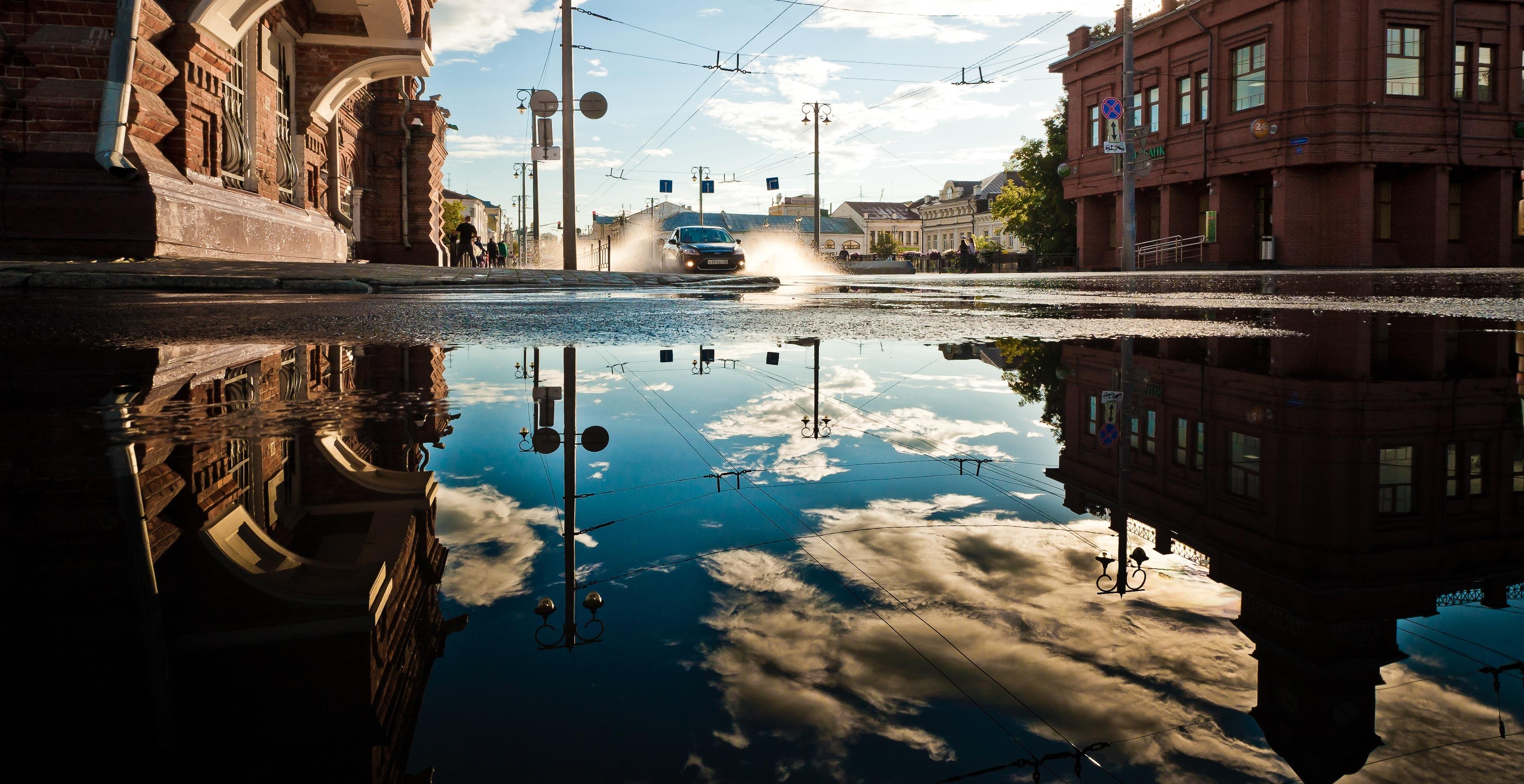 רחוב מוצף במים