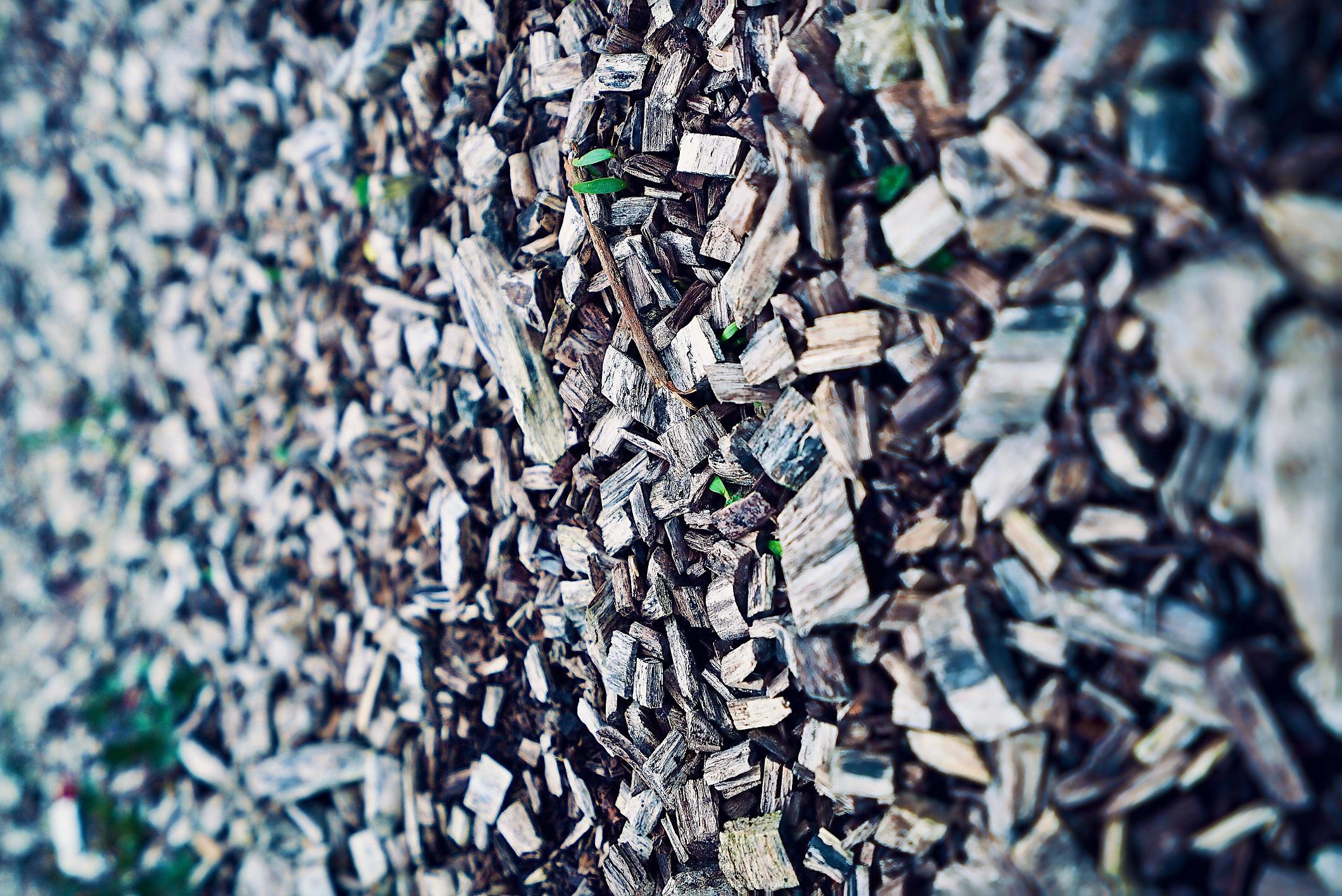 אבן, ברזל, פלסטיק
