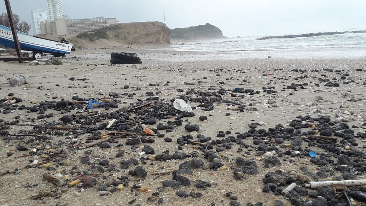 איך אפשר להיערך לזיהום בחופים