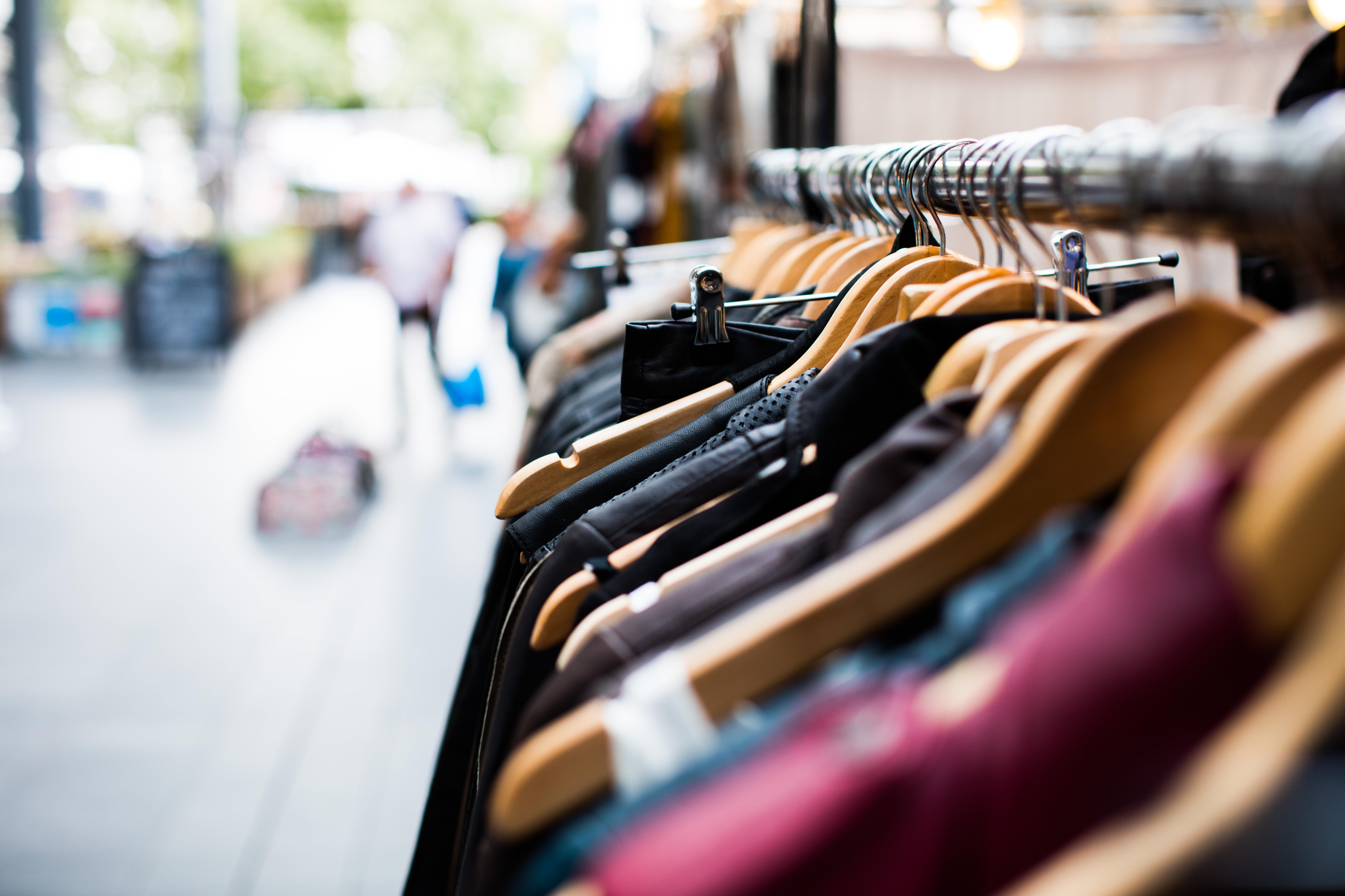 המחיר היקר של הבגדים הזולים