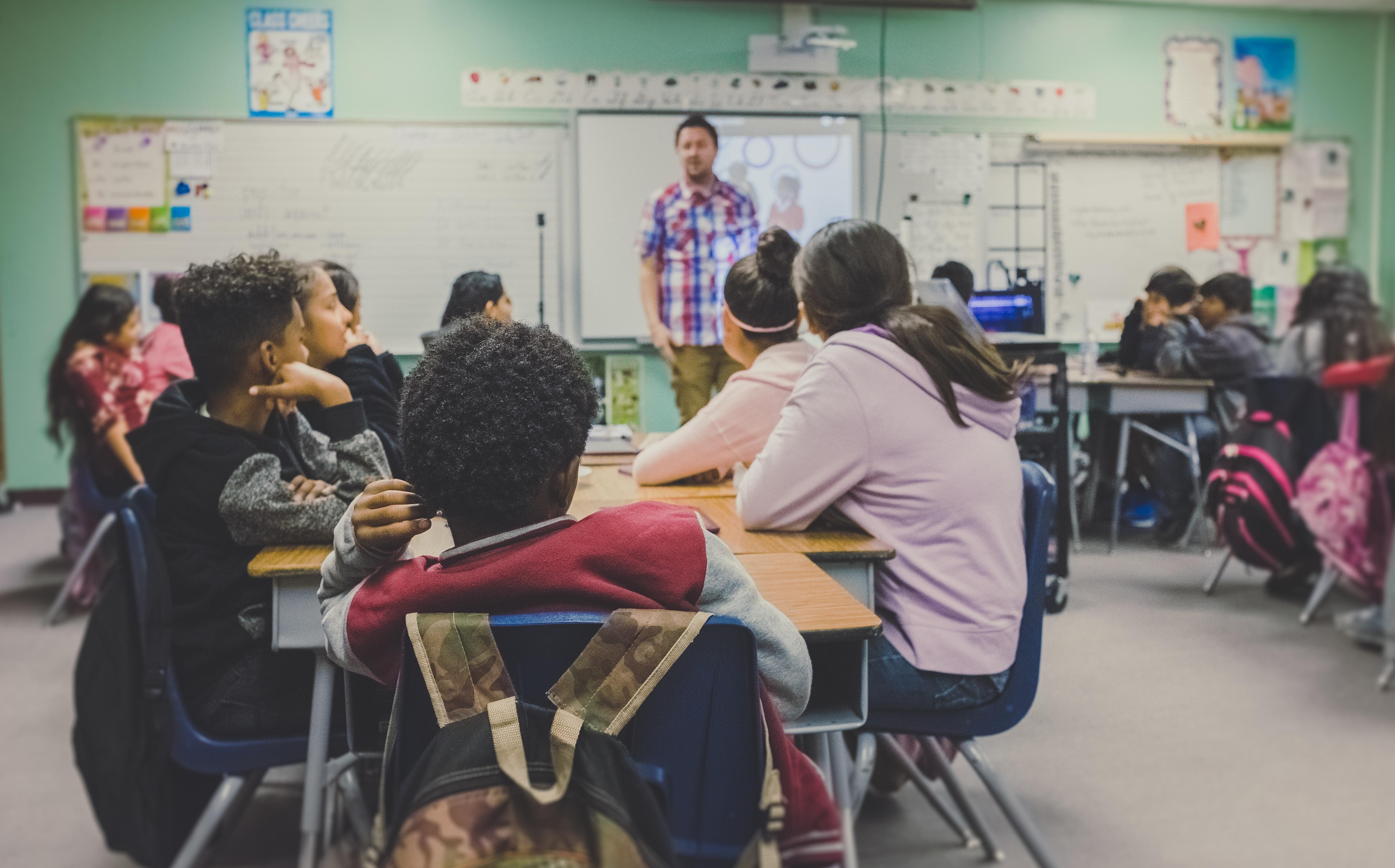 התפקיד החשוב של בתי הספר במאבק במשבר האקלים